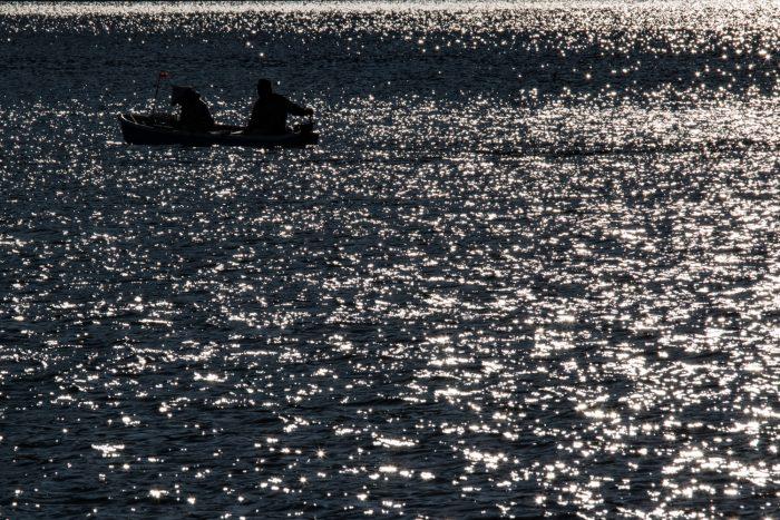 大沼ワカサギ釣り解禁日の風景